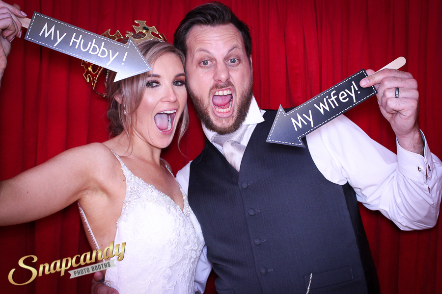 hubby and wifey photo booth